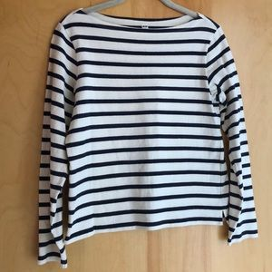 Uniqlo cream top with navy blue stripes size Small